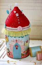 Armchair Pincushion 142 Best Pinkeep Pincushion And Scissor Keeps Images On Pinterest