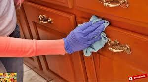 diez cosas para evitar en alco armarios como eliminar el polvo de los muebles con este remedio hecho en casa