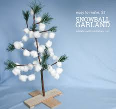 diy snowball garland i did this one year on a small live tree