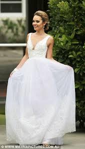 Wedding Dress Jobs The Bachelor U0027s Steph Dixon Models Plunging Wedding Dress In