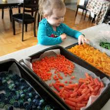 making colored pasta with vinegar is so easy