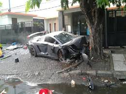 crashed lamborghini aventador in indonesia rich racers kill in fatal accidents but evade the