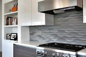 idee mur cuisine carrelage mur cuisine moderne idee mural 1 gris petit format forme