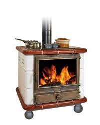 poele à bois pour cuisiner cuisinière à bois roy poêle de cuisine roy alphastar oliger