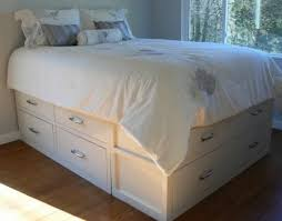 Building Platform Bed With Storage Drawers by Best 25 Queen Storage Bed Frame Ideas On Pinterest Diy Queen