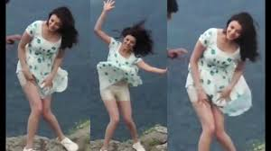 kajal agarwal shocking malfunction by wind wa with loop