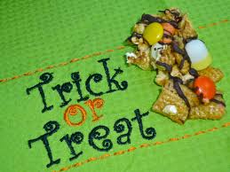 Halloween Snack Mix Recipes The Weekend Gourmet Sundaysupper Trick Or Treat Halloween Party