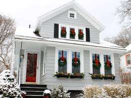 Outdoor Christmas Wreaths by Exterior Christmas Lighting Idea Exactly What I Want The Outside