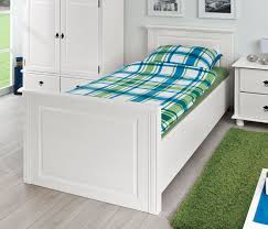 Schlafzimmer Komplett Wien Holzbett Aus Weiß Lackierter Kiefer Im Landhausstil Wien