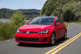 volkswagen cars 2015 2014 vs 2015 volkswagen golf gti digital trends