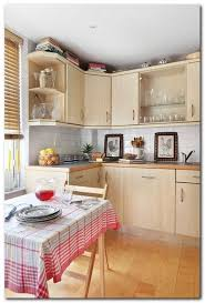 kitchen laminate flooring ideas the 25 best laminate flooring in kitchen ideas on
