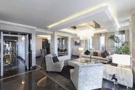 Modern Living Room Millbrae Interior Design by Roman Penthouse Suite Aggiorna La Tua Idea Di Suite Upgrade