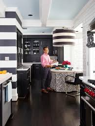 tour vern yip u0027s remodeled kitchen in atlanta hgtv