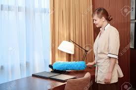 uniforme femme de chambre hotel femme de chambre hotel great femme de chambre duhtel faisant le