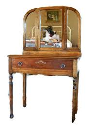 Vanity Table With Tri Fold Mirror Best 25 Tri Fold Mirror Ideas On Pinterest Dressing Mirror