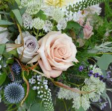 wedding flowers kent the flowersmiths kent wedding florist supplier at hever castle