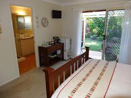 calamvale hotel suites and conference centre woodridge book