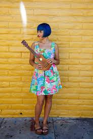 peanut uke pony dress yellow brick wall jpg