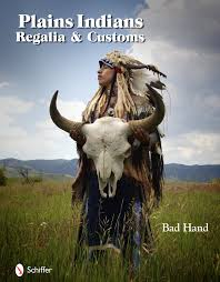 Manataka Books Children S Books Plains Indians Regalia Customs Bad 9780764335365