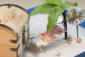 hochzeitsgeschenk basteln geld hängematte faltanleitung