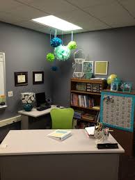 Organized Desk Ideas Stylish Teacher Desk Ideas I Like The M F Bins On The Top Shelf Of