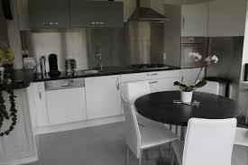 cuisine avec pose cuisine avec credence inox 5 pose sol stratifi233 installation