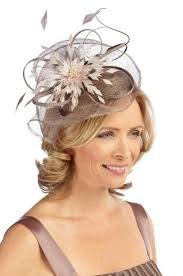 small fascinators for hair how the of the can get a modern wedding look