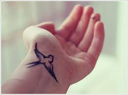 hand swallow tattoo designs vintage swallow tattoo swallows