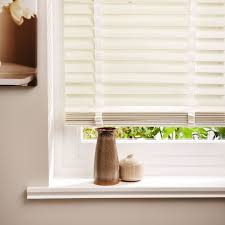 colours silvia white venetian blind w 120 cm l 180 cm
