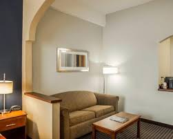 Comfort Suites Newport Comfort Suites Newport Ky Hotel Near University Of Cincinnati