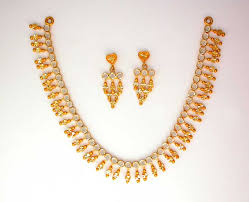 golden necklace women images Gold necklaces gold jewellery gold chain necklace gold jpg