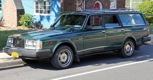 volvo wagon file 1983 volvo dl station wagon front left jpg wikimedia commons