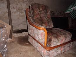 vieux canapé relooké un vieux canapé possible