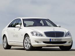 mercedes benz s class w221 photos photogallery with 51 pics
