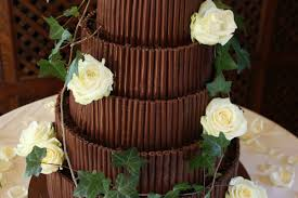 wedding get amazing ideas on how you can decor a bridal cake