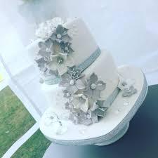 diamond wedding anniversary cupcakes giant cupcake u0026 matching cupcakes 2 sugar gems