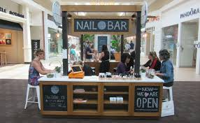 Manicure Bar Table Fashion Meets Manicure At Zoom Nail Bar In Polaris Mall The