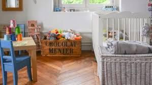 chambre bébé couleur taupe couleur chambre bébé chambres decoration armoire denfant quelles