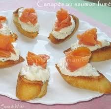 canapés saumon fumé les plats roumaines canapés au saumon fumé