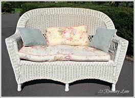 Wicker Loveseat Patio Furniture - 21 rosemary lane gotta love road side finds wicker love seat