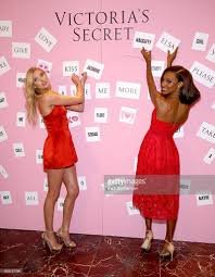 victoria s secret halloween costume victoria u0027s secret angels share their gift picks and tips for