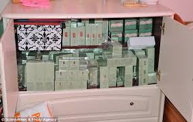 sell home interior products who made 350 000 selling stolen clinique and estée lauder