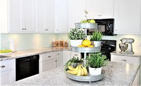 white kitchen cabinets laminate countertops 10 kitchens with laminate countertops