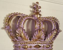 Crown wall hanging