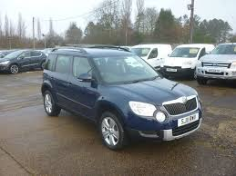 blue station wagon skoda yeti 2 0 tdi cr se station wagon 4x4 5dr blue 2011 in