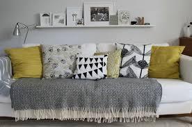 plaid gris canapé trouvez le meilleur plaid pour canapé en 44 photos salons living