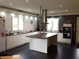 forum construire cuisine cuisine design blanche et bois hotte de plafond newsindo co