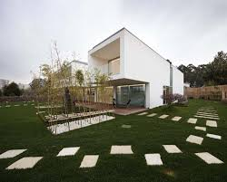 modern white house by carlos nuno lacerda architects in portugal