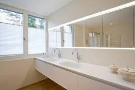 fernseher f r badezimmer bad mit fernseher und spachteltechnik in dusche dreyer