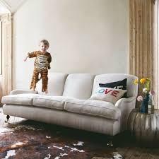 dans le canapé le canapé pour un salon stylé en 45 images magnifiques salons